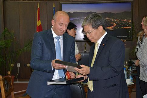 Kineski_ambasador_juli_2014_4853